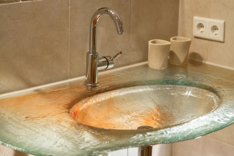 Washbasin of volcanic glass