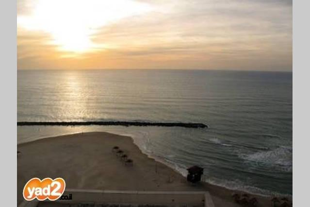 Stunning Ocean view near beach, vakantiewoning in Haifa