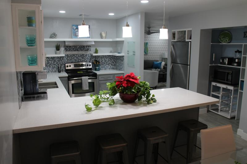 Elegant Modern / Contemporary Condo 1130 sq feet, holiday rental in Tempe