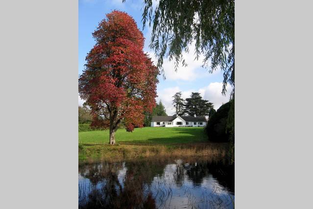 Bungalow del Conde se encuentra en 217 hectáreas de jardines y bosques.