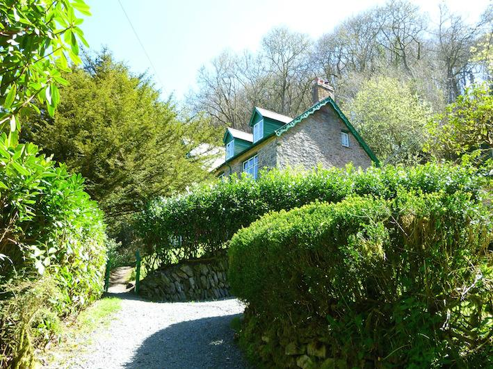 Oaklands: 8 bedroom period house in ancient oak woodland