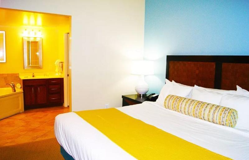wyndham ocean boulvard  2 bedroom2bathroomdelux updated