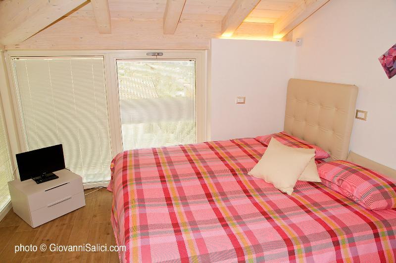 2^ bedroom