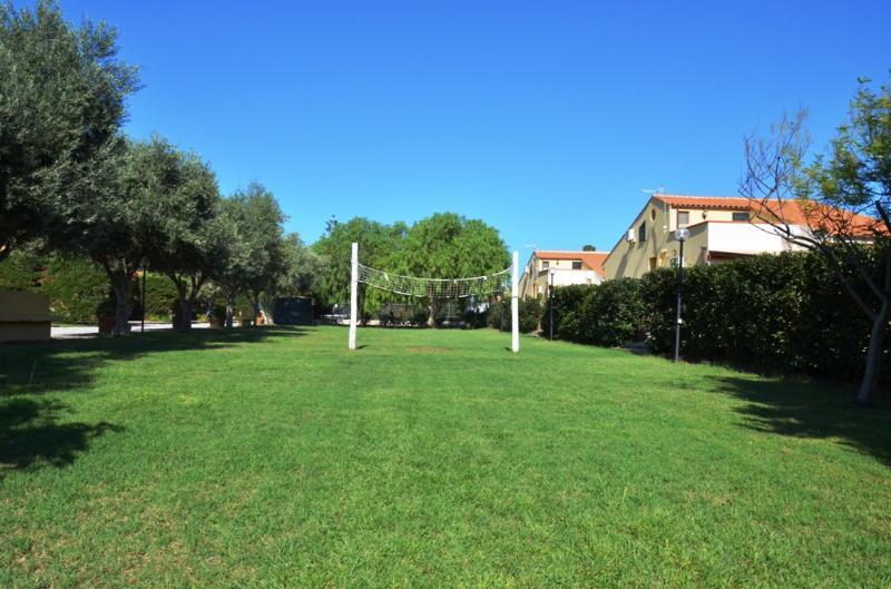 lawn 2500 square meters.