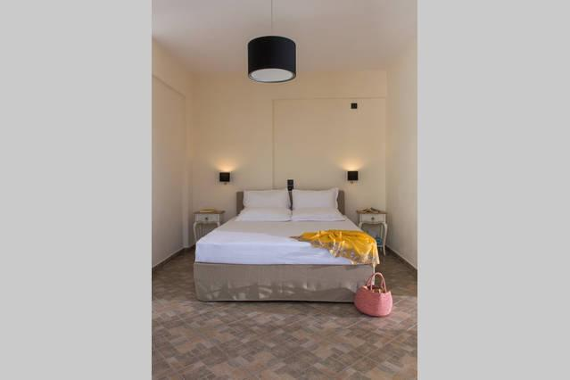 Andros-Maisonettes SUPERIOR VILLA, holiday rental in Andros