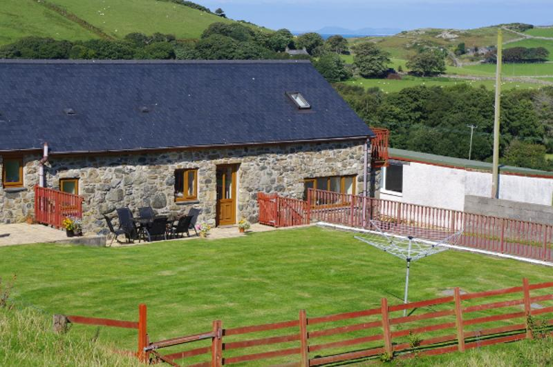 Hafod-wen Holiday Cottage - Isaf, vacation rental in Tywyn