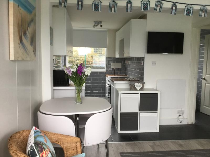 Light and airy kitchen / dining area