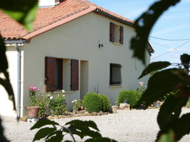 This is Cachette Anglaise, a typical Landaise farmhouse set in over 4 acres of garden