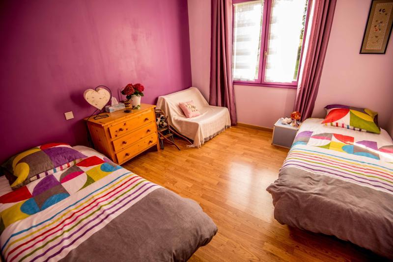 Chambre twin en B&B à 20 min de Nantes, location de vacances à Le Cellier