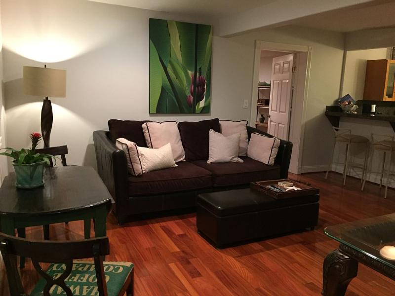 Beautiful- Clean- Location- VIew  This 1 Bedroom in Honolulu Has it All!
