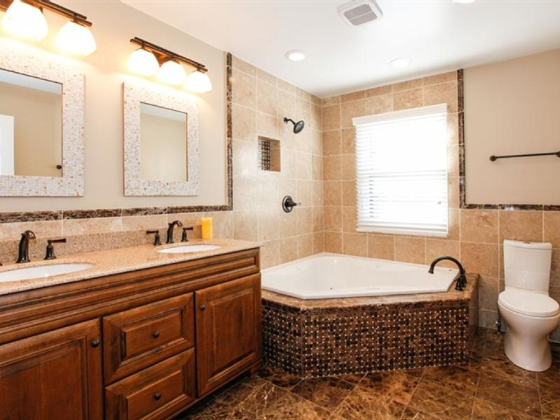 master bath 2 person heated jacuzzi