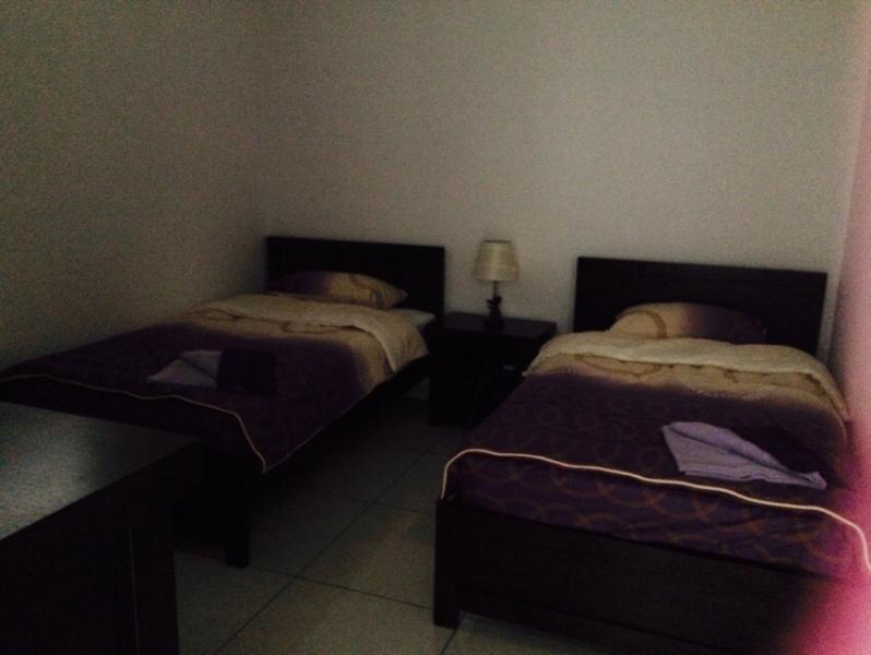 3 dormitorios con dos camas individuales súper
