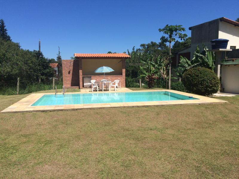 Alugo casa para temporadas em Miguel Pereira, location de vacances à Araras