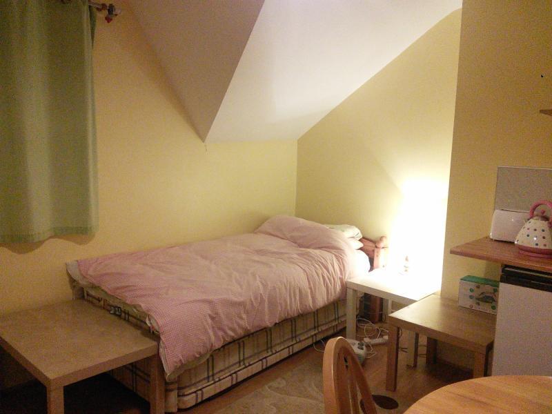 Single bed set up