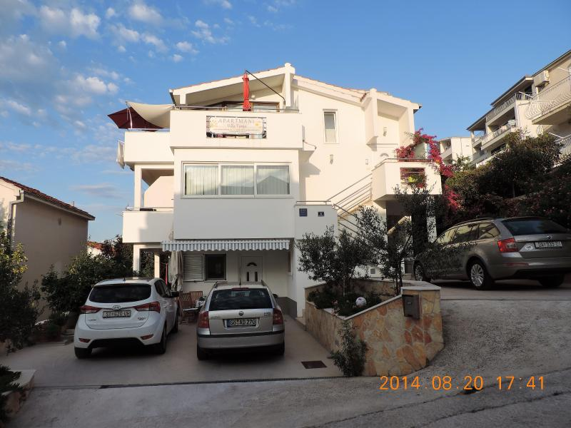 Villa Tanja - Penthouse Apartment  PETRA/  located on the first floor, two bedrooms, max. 5 peopls.