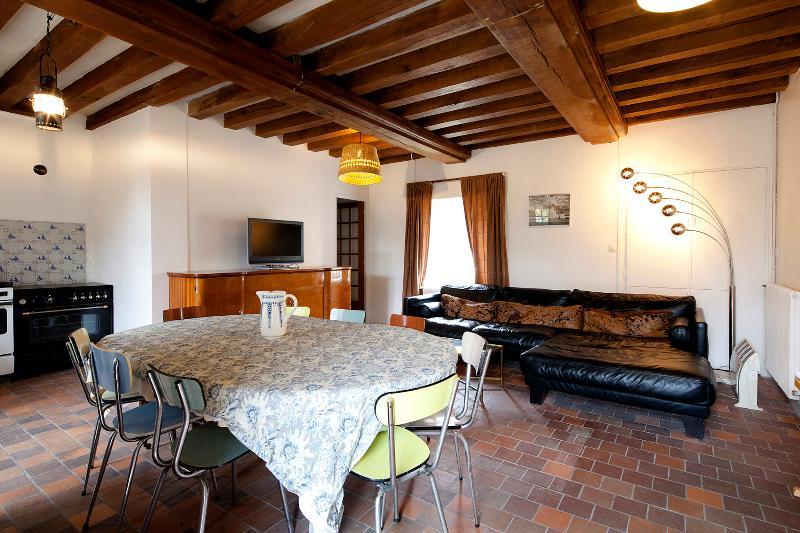 Chateau de Troussay - Gite dans dependances XVIIe, holiday rental in Mont-pres-Chambord
