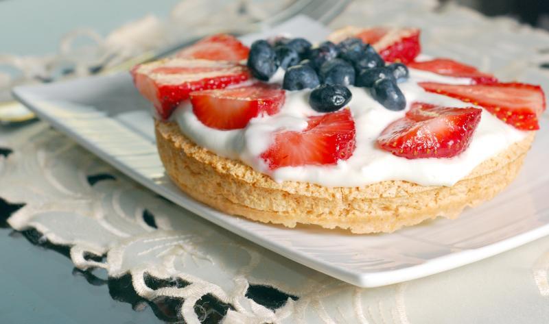 Strawberry and Blueberry Pavlova
