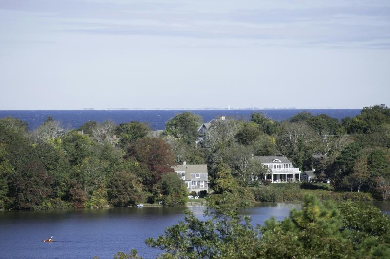 Lago y vistas al océano desde la mayoría de las habitaciones