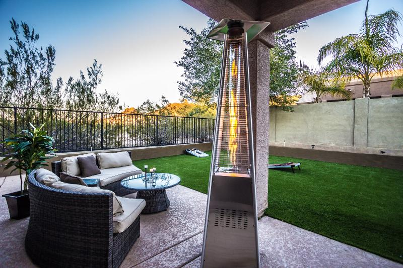 Settle In And Relax, vacation rental in Glendale