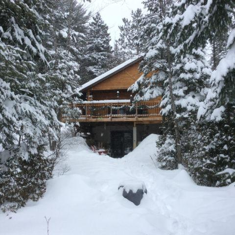 Chalet for Rent for 10 weeks this winter, location de vacances à Notre-Dame-de-la-Merci