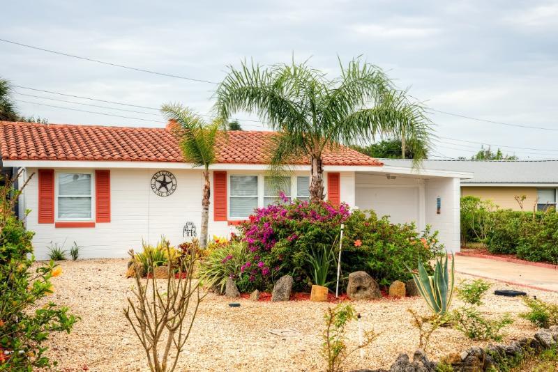 Venha fuga para esta encantadora casa de férias Ormond Beach!