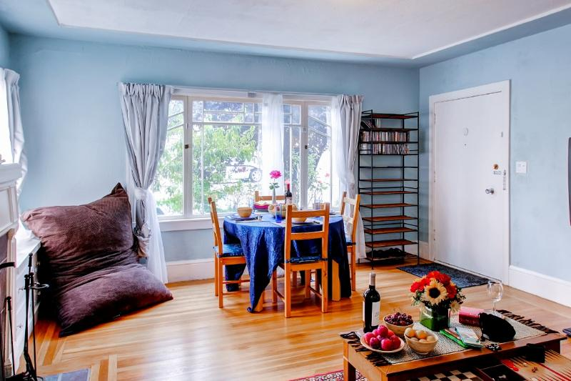 Discover Oakland from this 1BR, 1-bath Craftsman-style vacation rental home.