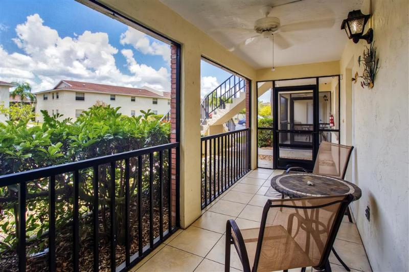 Let this beautiful Englewood vacation rental condo serve as your home-away-from-home in sunny Florida!