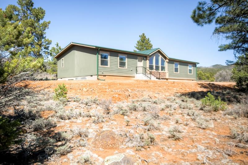 Secluded Boulder House - Next to National Forests!, holiday rental in Capitol Reef National Park