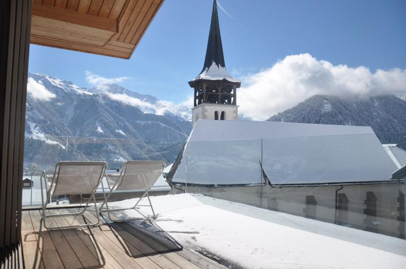 Panoramic & family-friendly mountain rental (8 p), Ferienwohnung in Graubünden