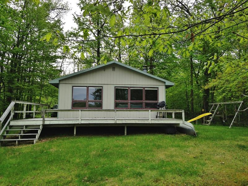 Lakefront Cabin w/Private Dock: Boat, Fish & Swim!, holiday rental in Longville