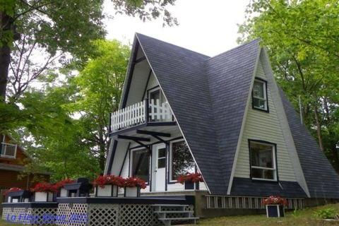 Chalet Lafleur Bleue, vacation rental in Saint-Laurent-de-l'Ile-d'Orleans