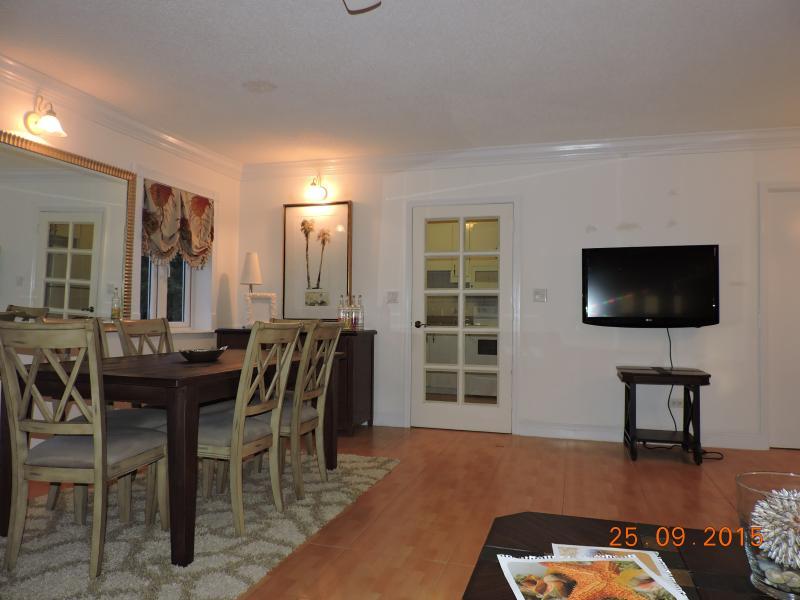 Cozy, Ocean View,Beautiful Condominium Cable Beach, vacation rental in Nassau