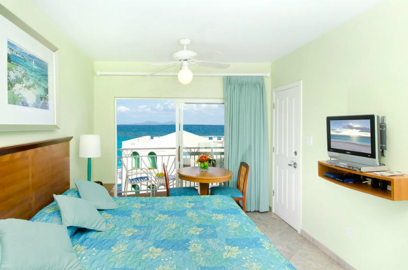 Oyster Bay Beach Resort, holiday rental in Oyster Pond