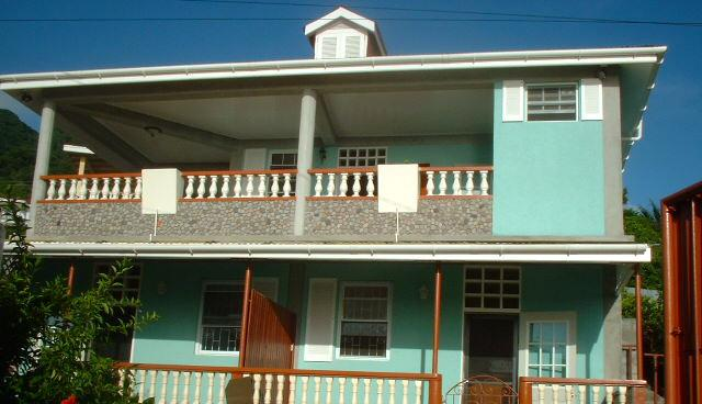 Aquatic Apartments 1, holiday rental in Soufriere