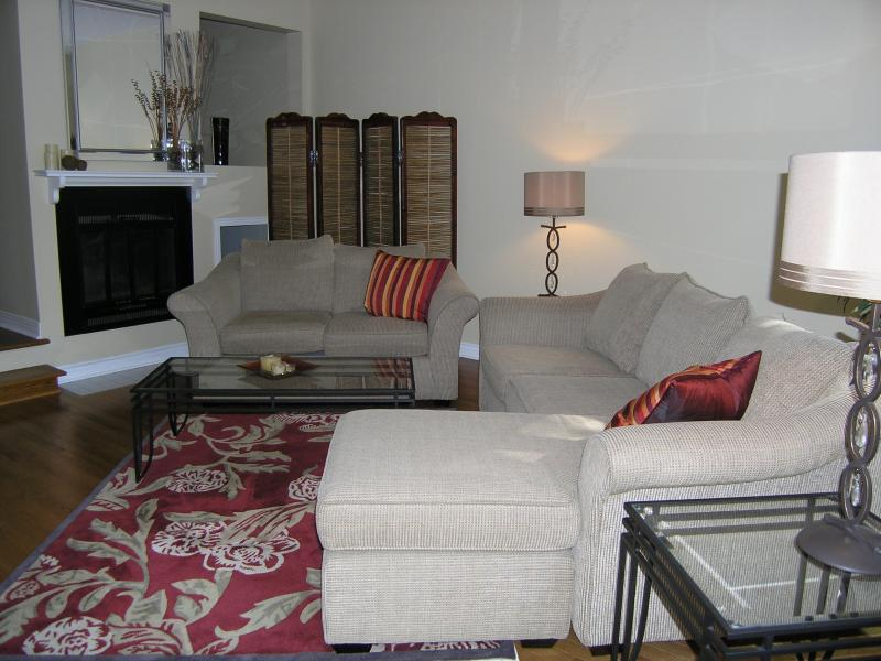 Tastefully and comfortably decorated, ideal for relaxing or entertaining.