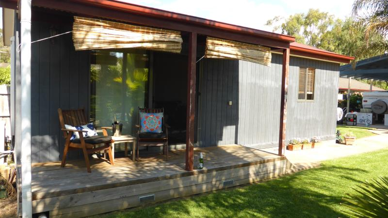 the hut with its cosy veranda