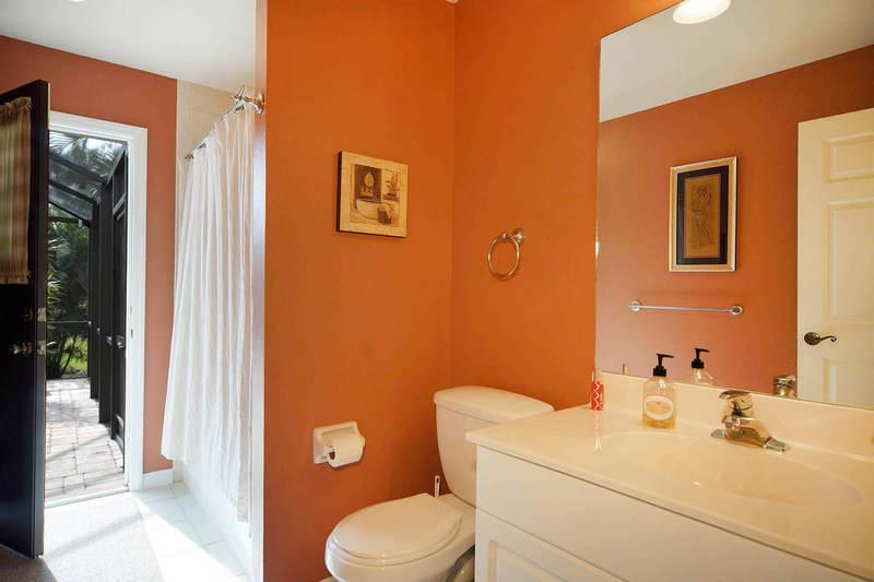 Guest Bathroom has Access to Lanai