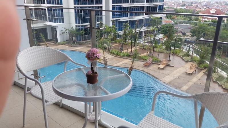 Signature Condo @CBD of West Jakarta, vacation rental in Tangerang