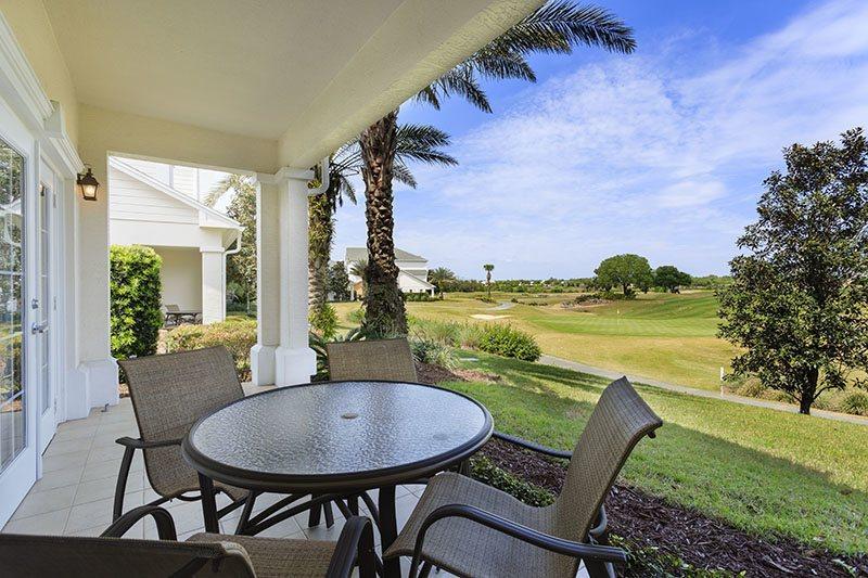 Le patio privé avec une vue imprenable!