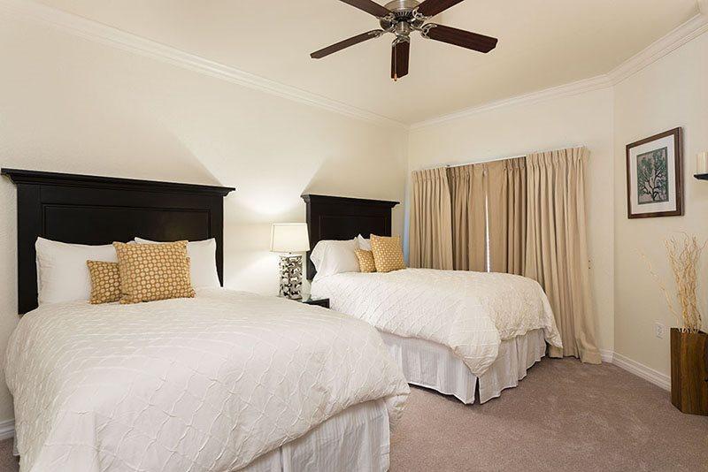 El tercer dormitorio tiene dos camas matrimoniales
