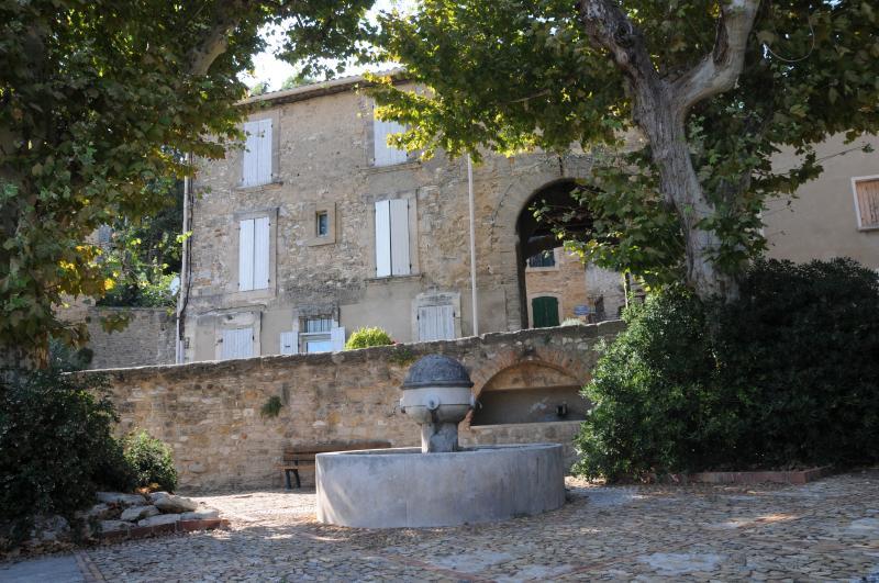 Chateauneuf de Gadagne