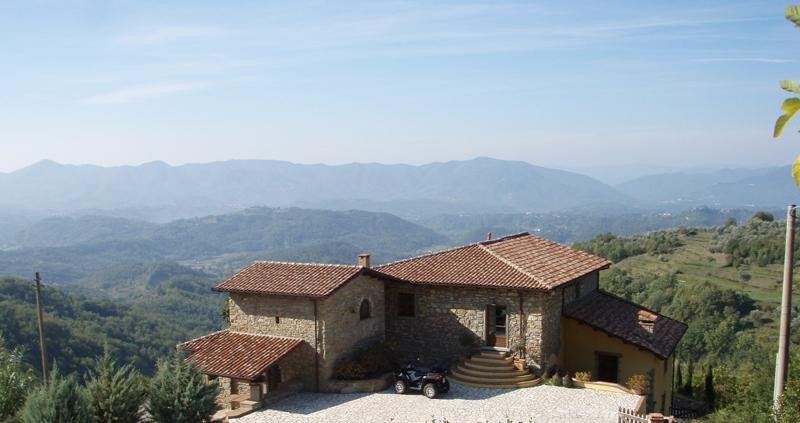 Luxury villa with spectacular views, holiday rental in Fivizzano
