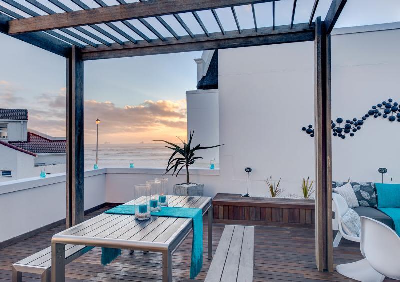 Buiten terras met uitzicht op de Oceaan