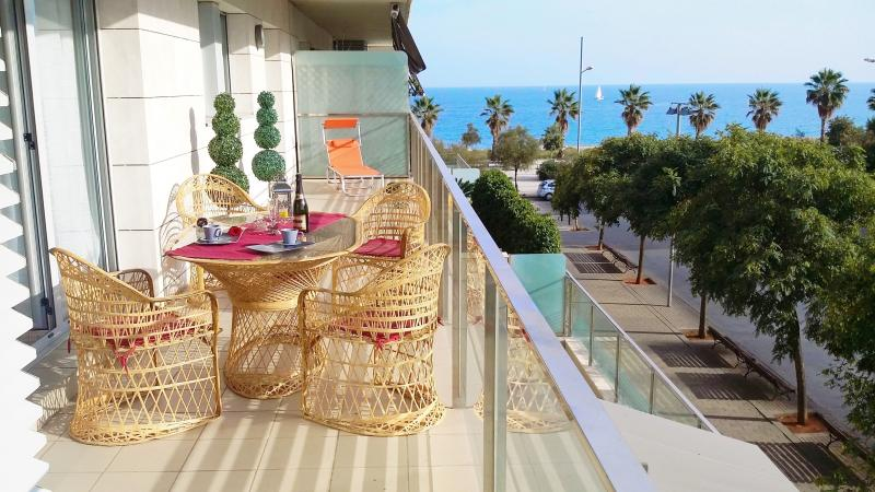 Alexandra´s Beach-Port-apartment, location de vacances à Tiana