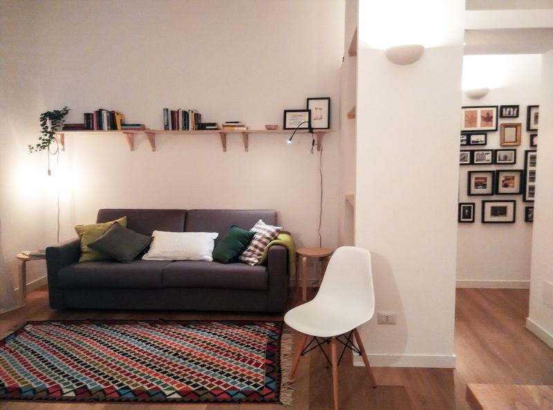 charming one room apartment, aluguéis de temporada em Province of Milan
