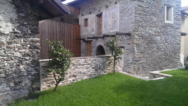 Corte delle Camelie - Holiday apartments, vacation rental in Canton of Ticino