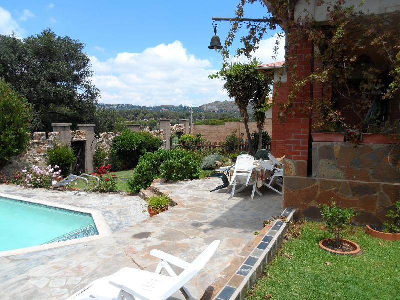Cyrildene guest cottage, vacation rental in Johannesburg