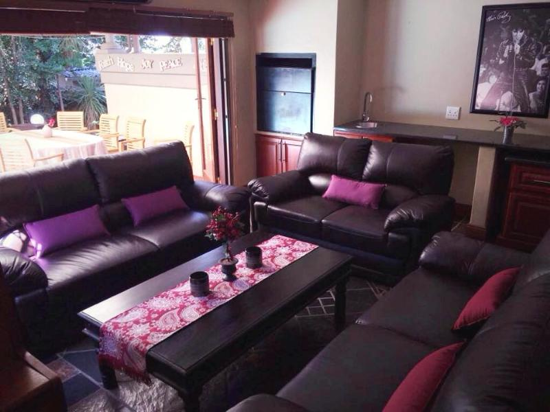 Little Palace Guesthouse, vacation rental in Centurion