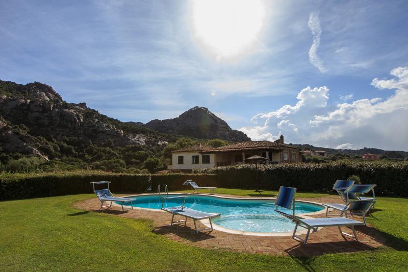 Iris villa with pool