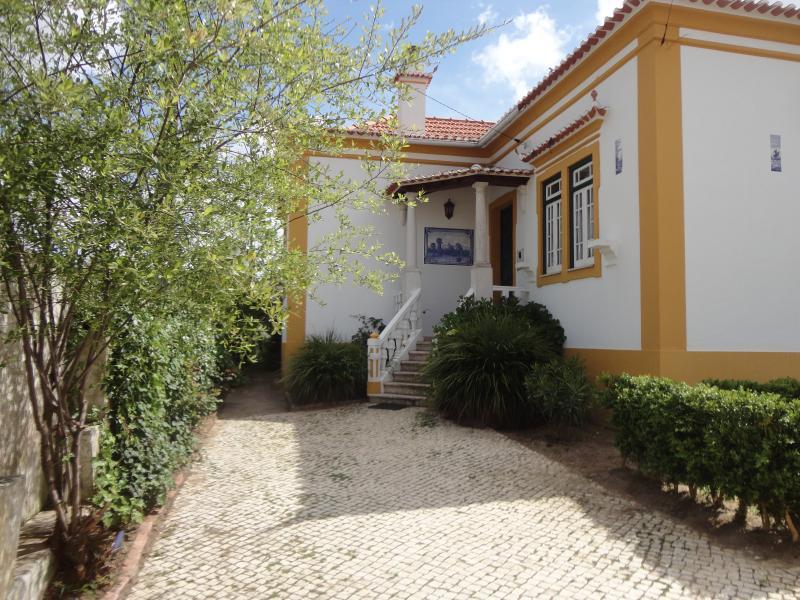 Villa for 10 people near beach, Ferienwohnung in Torres Vedras